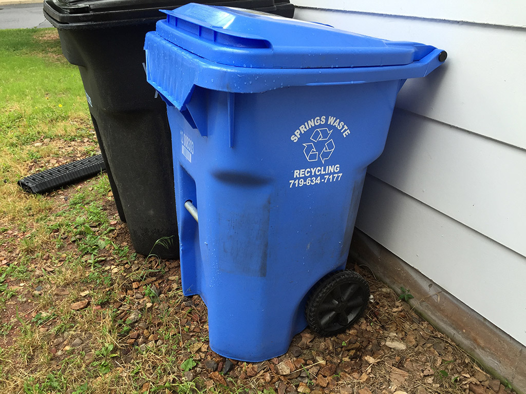 colorado-springs-recycling-bin
